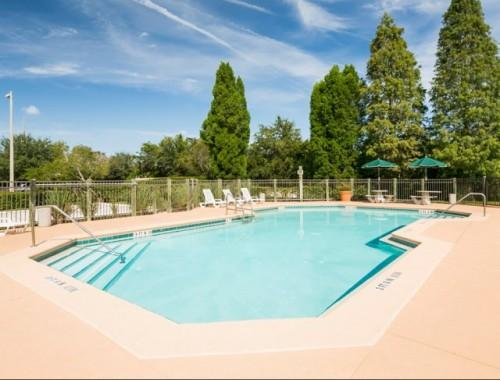 Apartments Rent Brandon Crossing Affordable