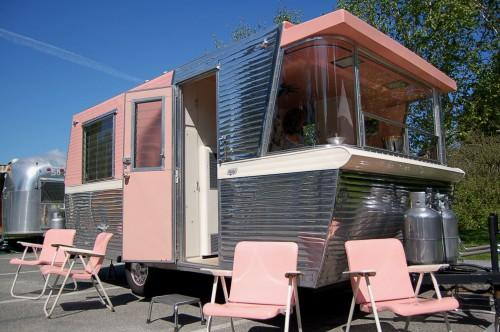 Beautiful Holiday House Travel Trailer Painted Eye Popping