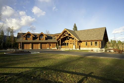 Garage Handcrafted Chink Style Log Home Caribou Creek Timber