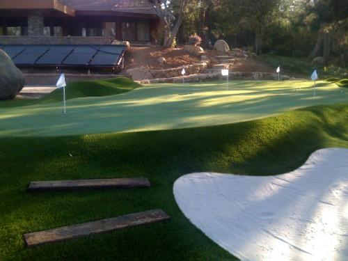 Home Backyard Putting Green Golfers Offers Personal Practice