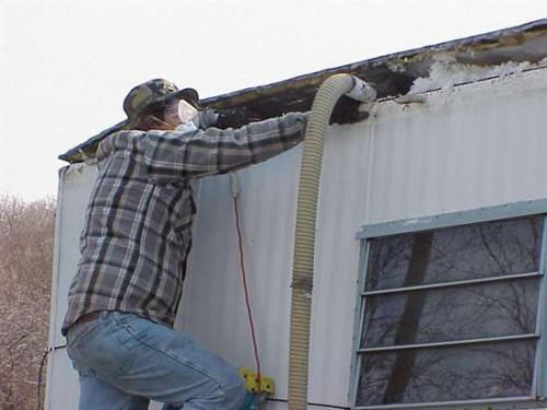 Insulation Into Roof Cavity Mobile Home Using Edge Lift Metho