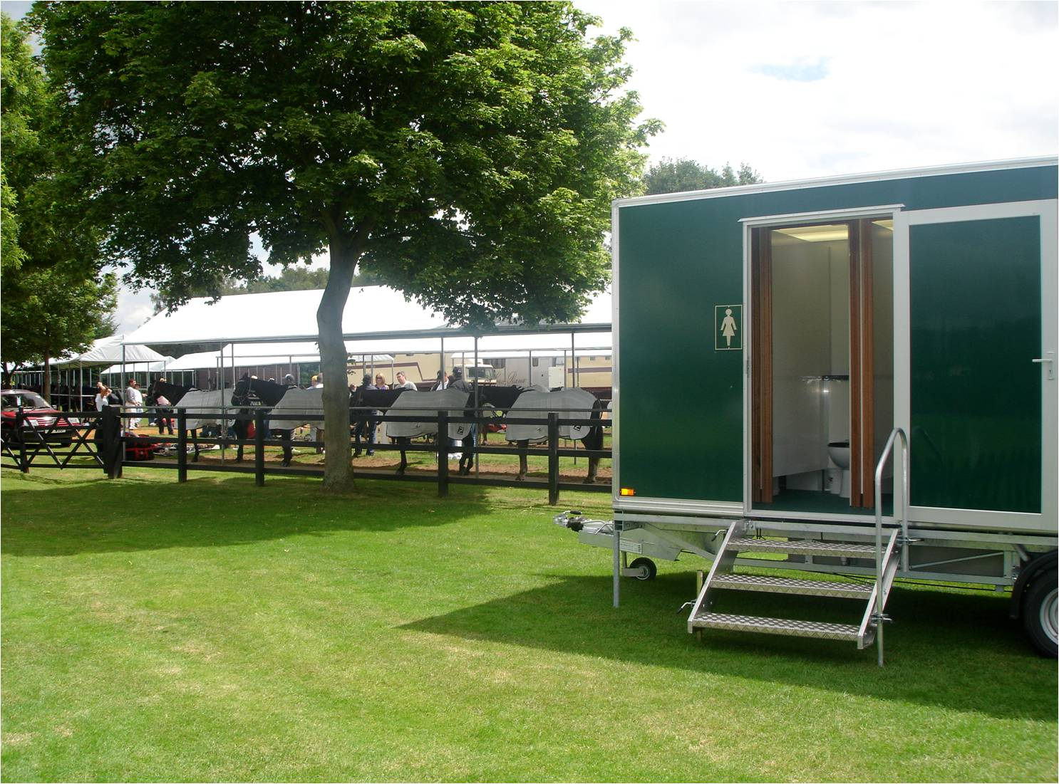 Luxury Trailers Toilets Specialize