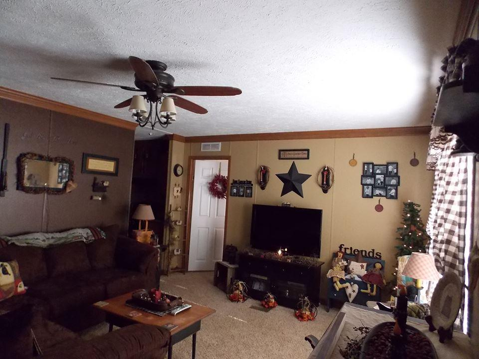 Manufactured Home Decorating Room