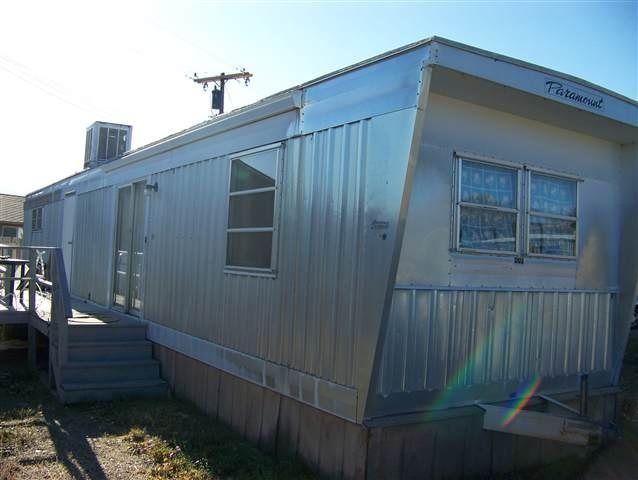 Vintage Mobile Home Paramount